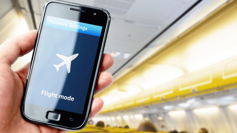 Autorisation des appareils connectés en vol : les voyageurs vont planer !