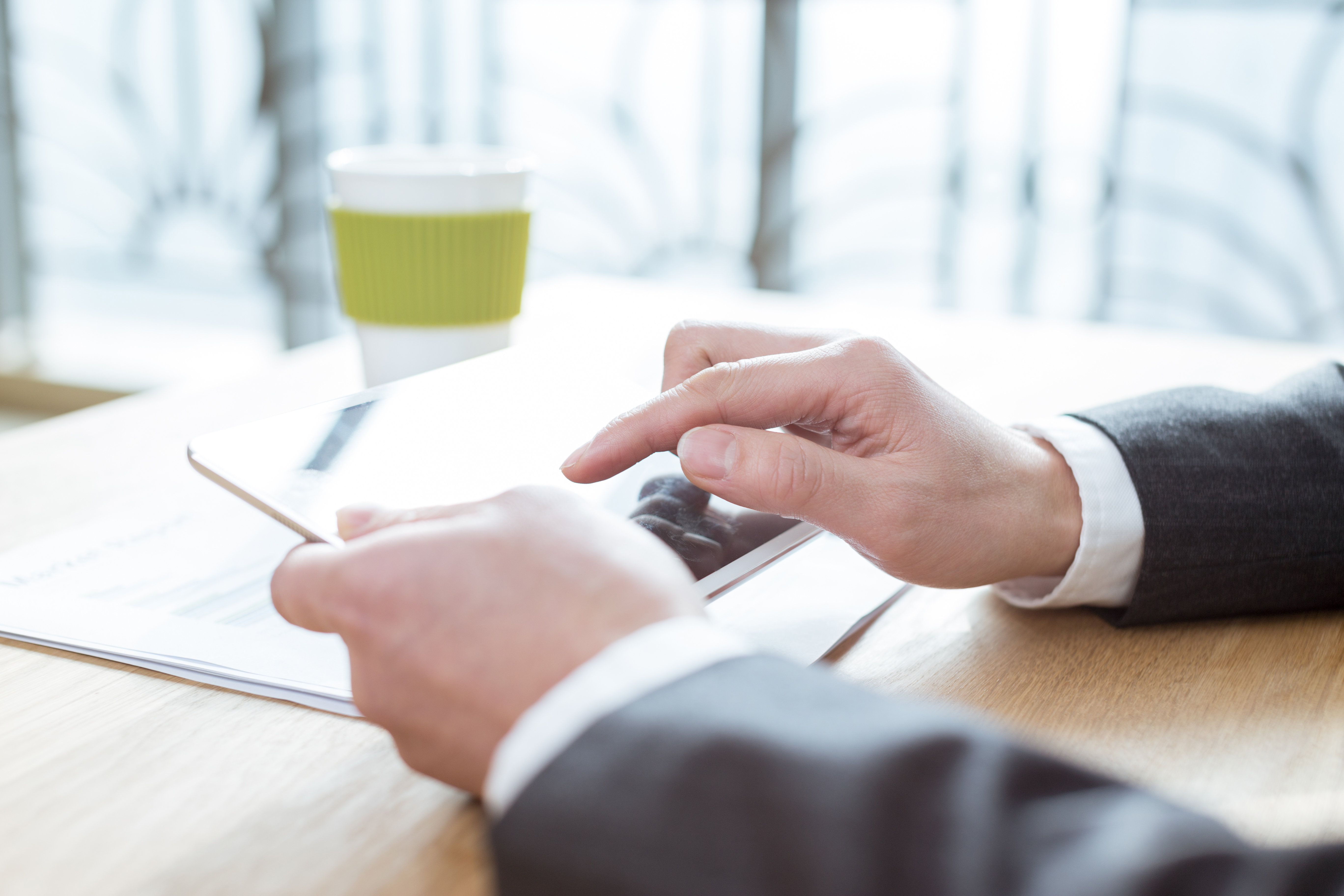 La phygitalisation du secteur bancaire : quels enjeux pour la relation client et le métier de chargé de clientèle